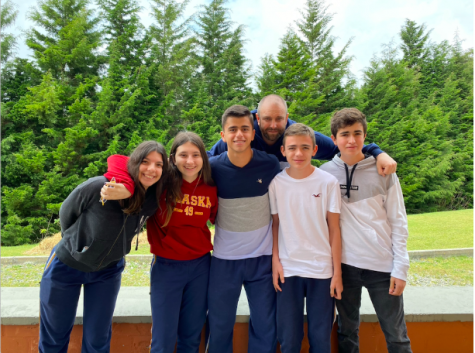 Team members Daniela Cataldo, Sofia Bayona, Nicolas Escobar, Juan Martin Echeverri, and Miguel Restrepo with their teacher Brian Summers.