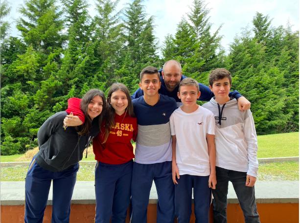 Team members Daniela Cataldo, Sofia Bayona, Nicolas Escobar, Juan Martin Echeverri, and Miguel Restrepo with their teacher Brian Summers.