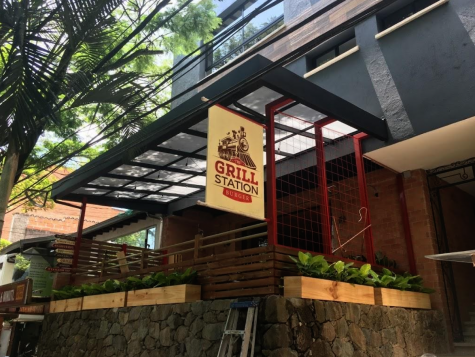 Grill Station Burger in Provenza, El Poblado, located on the second floor. Grill station placed #1 in Burger Master 2019 and is considered to have the best burgers in Medellin.